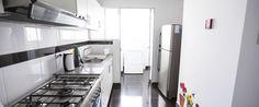 Departamento de lujo en alquiler en Miraflores - Lima. 101 m2, con 3 habitaciones y capacidad para 6 personas. Zona residencial de Miraflores.