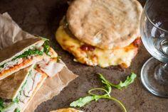Pittige pita met vlees en kaas