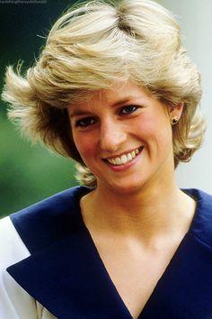 anythingandeverythingroyals:  Diana