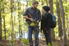 The 5th Wave movie image featuring Chloe Grace Moretz and Alex Roe