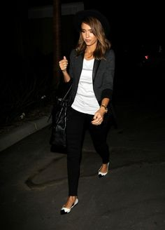 Jessica Alba Lookbook: Jessica Alba wearing Oversized Tote (1 of 10). Jessica Alba had her arm full with an oversized black leather tote.