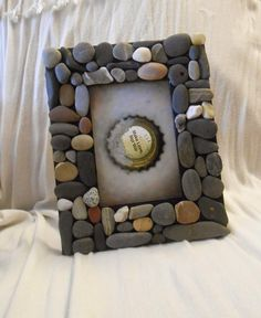 Mosaic Beach Stone Frame - For 4 x 6 picture. dollars on etsy. Neat idea for a DIY project! Could use shells as well. Stone Crafts, Rock Crafts, Fun Crafts, Arts And Crafts, Driftwood Crafts, Beach Stones, Beach Crafts, Nature Crafts, Beach Art