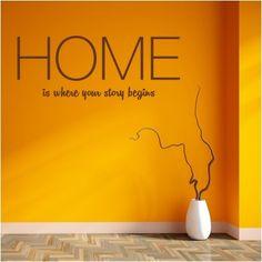 """Adesivo Murale - Home Story.  Adesivo murale di alta qualità con pellicola opaca di facile installazione. Lo sticker si può applicare su qualsiasi superficie liscia: muro, vetro, legno e plastica.  L'adesivo murale """"Home Story"""" è ideale per decorare il soggiorno. Adesivi Murali."""