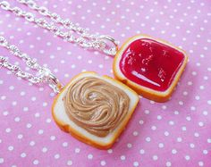 a set of two necklaces inspired by a broken in half Oreo cookie! Perfect to share with a friend :)  choose from 18 link style chains, or 22 snake chains(seen in photo) at checkout!    hand made from polymer clay~   please read my shop policies before checkout~ http://www.etsy.com/shop_policy.php?user_id=6743514  message me with any questions~ thanks for looking♥   ♥deviantart: http://scrumptiousdoodle.deviantart.com/  ♥facebook: https://www.facebook.com/ScrumptiousDoodleJewelry  ♥instagram…