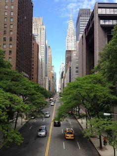 Poster & Download: Chrysler Gebäude New York Nyc Ny Metropolis Kategorien: landschaften, chrysler, building, new, york, nyc, ny, metropolis, city, manhattan, skyline, architecture, urban, skyscraper, downtown, cityscape, usa, landmark, midtown, america, road, avenue, street, cars, taxis, sidewalk, trees, buildings, em