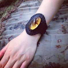 #sharespirit#amber#bangle#leather アンバー バングル 出来上がり!
