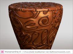 Ben jij gek op chocola en kijk je niet op een calorietje meer of minder? Dan is deze chocolade badkamer echt iets voor jou!