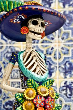 Mexican decor: The Catrina, Mexican symbol of Days of the Dead and an amazing piece to have in a home.