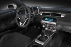 2015-Chevrolet-Camaro Z28 interior front seat from passenger side view