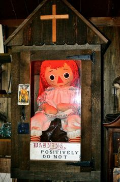 The real Annabelle doll, currently owned by Ed and Lorraine Warren who are very famous through out the Paranormal field Ouija, Iphone 4, Haunted Objects, Creepy Facts, Creepy Things, Scary Stuff, Ghost Hauntings, Haunted Dolls, Creepy Stories