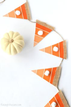 Ombre Paint Chip Pumpkin Pie Craft + 72 More Fall Kids Crafts : Ombre Paint Chip Pumpkin Pie DIY Craft idea with instructions for your Thanksgiving party decorations. Thanksgiving Banner, Thanksgiving Crafts For Kids, Holiday Crafts, Kindergarten Thanksgiving, Fall Banner, Thanksgiving Activities, Halloween Activities, Thanksgiving Recipes, Fall Recipes