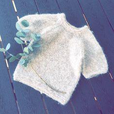 Crop Tops, Sweaters, Women, Fashion, Moda, Fashion Styles, Sweater, Fashion Illustrations, Sweatshirts