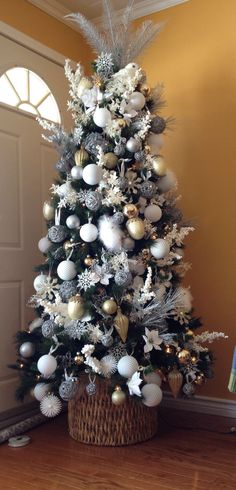 Christmas Tree! Silver and white