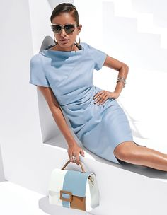Femininely tailored dress, with short sleeves, an angled neckline, and elaborately gathered waist section. Casual Chic, Style Désinvolte Chic, Madeleine Fashion, Short Dresses, Dresses For Work, Dress Backs, Ladies Day, The Dress, Pretty Outfits