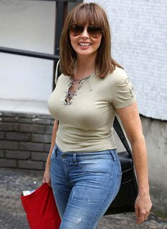 Carol Vorderman Yep, they're real. Sexy Older Women, Old Women, Sexy Women, Carol Vordeman, Aged To Perfection, Tv Presenters, Outfit Combinations, Famous Women, Alter