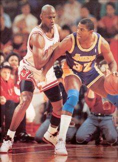 Michael Jordan wearing the Air Jordan V Basketball Jones, I Love Basketball, Basketball Pictures, Basketball Legends, Basketball Players, Basketball Motivation, Jordan V, Michael Jordan, Showtime Lakers