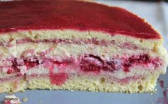 Framboisier au mascarpone Dessert Pots, Patisserie Fine, Food Test, Culinary Arts, Vanilla Cake, Food Inspiration, Sweet Recipes, Food And Drink, Sweets