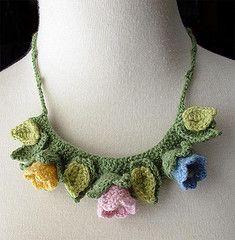 Crochet tulips spring necklace by meekssandygirl Freeform Crochet, Bead Crochet, Crochet Necklace Pattern, Cashmere Yarn, Fabric Jewelry, Beading Tutorials, Crochet Accessories, Bead Weaving, Crochet Flowers