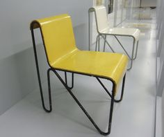 tube framed chair by gerrit thomas rietveld, 1927. other models were produced by metz & co after 1927.