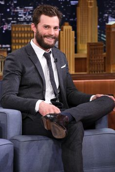 Jamie Dornan + his beard = HERE FOR IT!