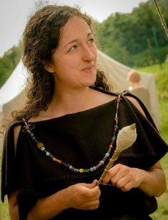 Iron Age Briton Celtic Clothing, Armor Clothing, Viking Woman, Viking Age, Iron Age, Larp, Celtic Costume, Viking Dress, Classical Antiquity