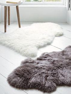 Faux Fur Bathroom Rug Lovely 5 Ways to Create A Spa at Home Home Bedroom Design, Diy Bedroom Decor, White Floorboards, Fur Carpet, Home Decor Inspiration, Bathroom Inspiration, Decor Ideas, Bathroom Ideas, Faux Fur Rug