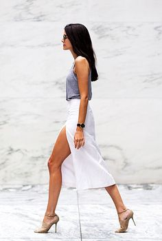 2 Ways To Wear A White Thigh Slit Skirt #style #fashion