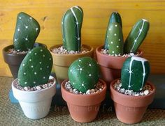 You will love to learn how to make a Painted Cactus Rock Garden and we have lots of inspiration plus a video tutorial to show you how. Pebble Painting, Pebble Art, Stone Painting, Diy Painting, Rock Painting, Rock Crafts, Crafts To Make, Diy Crafts, Painted Rock Cactus