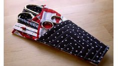 Miss Sews-It-All shows how you can make this quilted scissors case. Inspired by a tutorial by Vicki's Fabric Creations, it has 3 pockets to hold scissors and smallsewing notions like a seam…