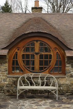 Another view of the Hobbit House window Casa Dos Hobbits, Motifs Art Nouveau, Earthship, Windows And Doors, Round Windows, Architecture Details, Sustainable Architecture, House Architecture, Beautiful Architecture