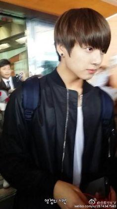 150307   BTS arrived @ Taoyuan Airport in Taiwan