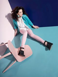 Pastel colored outfit: pink pants and turqouise jacket Photo: Kristiina Kurronen