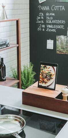 Smarte Ladestation einer WALDEN Holz-Küche Kitchen Sets, Bath Caddy, Kitchen Interior, Industrial, Nature, Furniture, Home, Decor, Interiors