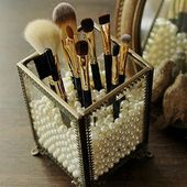 Simple Makeup and Beauty Organization Hacks and Solutions: .- Einfache Makeup- und Beauty-Organisation Hacks und Lösungen: Make-up-Pinsel und Easy Makeup and Beauty Organization Hacks and Solutions: Makeup Brushes and … – Beauty Tips & Tricks - Organisation Hacks, Organizing Hacks, Bathroom Organization, Makeup Organization, Bathroom Storage, Diy Storage, Diy Hacks, Bathroom Ideas, Makeup Brush Storage