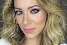 Oie! O tutorial de hoje é o tipo de maquiagem que todas as mulheres deveriam aprender! Fácil de fazer e que vai da feira ao baile. Do tipo que você pode fazer de manhã e ir até a noite na festa, jantar, baladinha… Valoriza a beleza mas sem ser over e combina com todas cores …