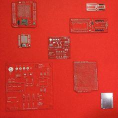 赤基板刺繍 Arduino学習用シールドNano 用 他  今日iPadを新しくしたのでカメラの画質が劇的に良くなった #刺繍 #enbroydery #handstitched #circuitboard #geek #arduino #red #shield by stitchdog_geek
