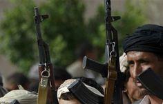 اخبار اليمن العربي: بالفيديو.. شاهد لحظة قصف قوات الجيش للانقلابيين في تبة سوفتيل شرقي تعز