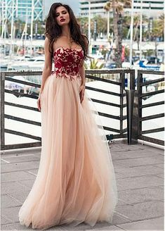 Unique Tulle Strapless Neckline A-line Prom Dress With