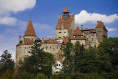 Замок Бран или замок Дракулы в Румынии.