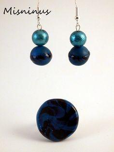 Pendientes y anillo fimo azul