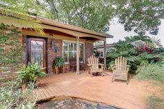 Gem of a home just 1 block from the Davis Islands waterfront.  2 Bed/ 2 Bath