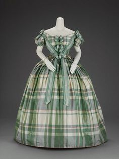 Evening Dress 1859-1860 The Museum of Fine Arts, Boston