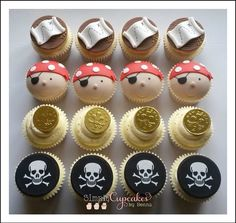 Pirate cupcakes Pirate Birthday Cake, Pirate Cupcake, Pirate Cakes, Birthday Cakes, Cute Cupcakes, Cupcake Cookies, Pirate Party Decorations, Fondant, Mermaid Cakes