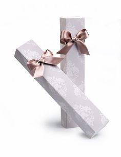 Cajas de bombones para bodas. Bonitas cajas de chocolate para regalar a los invitados de boda.     #detallesparainvitados #regalosparainvitados