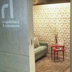 Repost de @rlarquitetura utilizando Revestimento Solis em seu escritório ficou lindo!    #revestimento #cimenticio #concreto #interiordesign #instadecor #interiores #design #decor #maski #luxo #projetoTOP #parede #walldecor #glamour #decoration #Instadaily #wall #surfaces #escritório #solis #suvinil