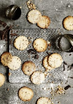... today from my blog: Miss Daily Mood: Chocolate Cookies - Photographer Line Thit Klein ♥