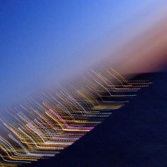 Die Lichter einer Insel mit bewegter Kamera aufgenommen.... Airplane View, Lights, Island