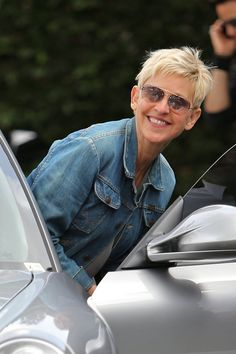 Ellen DeGeneres was one of the first women in Hollywood to admit she was lesbian. Today she is married with the beautiful Portia de Rossi and the couple seems super happy!