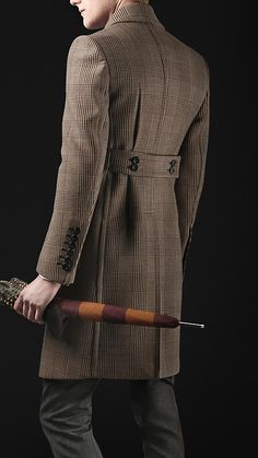 Chesterfield Coat- Another form of outerwear during this period. It typically had a velvet collar and cuffs. Complete with buttons it was a long overcoat Mens Fashion Suits, Fashion Wear, Mens Suits, Mens Dress Coats, Men Dress, Men Coat, Duffle Coat Homme, Chesterfield Coat, Mens Overcoat