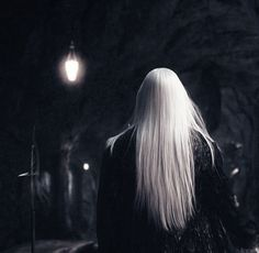 Onward to Mirkwood, Thranduil Tárisil Oropherion.) Other than deciding his mother's name for him was Isilya (Moon One and Elven Monday), that name. Tolkien, Slytherin, Hogwarts, Legolas, Kili, Aesthetic Gif, Character Aesthetic, Skyrim, Sombra Lunar